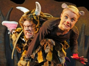 the_gruffalo_live_-_owen_guerin_the_gruffalo_josie_cerise_mouse_-_photo_credit_-_tall_stories